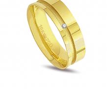 Aliança de ouro 18k com 1 diamante anatômica