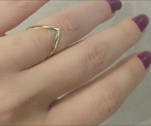 """Anel """"V"""" Ouro 18K"""